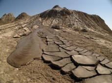 32 - Qobustan - Mud volcanoes