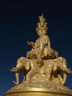 40 - Emei Shan - Golden Summit