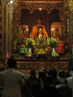 05 - Hanoi - prayers