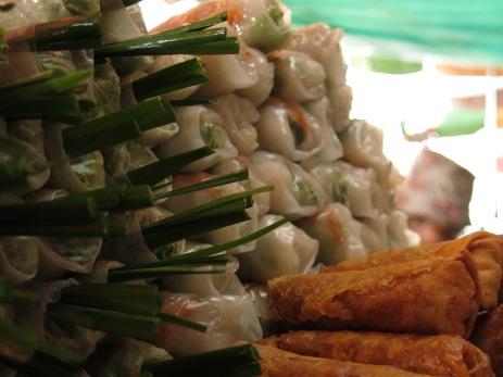 47 - Phnom Penh - Spring rolls fresh&fried