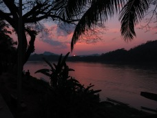 18-Luang Prabang-sunset on the river